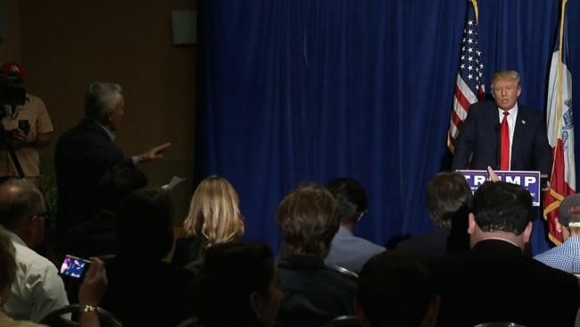 Trump expulsa Jorge Ramos